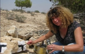Marking the Round Beer Sheva Trail